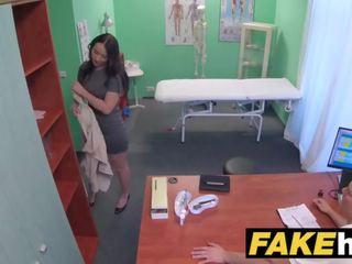 Fake hospital frisky shaven fittor ryska baben loves docs kuk