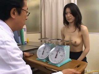 Giapponese av modella graziosa ufficio ragazza