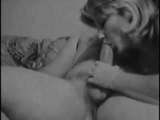 Renee sucks kukko sitten climbs päällä, vapaa porno b2