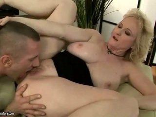 Panas nenek gets fucked anally