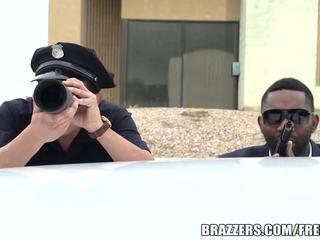 Brazzers - policajt fucks bridgette b těžký