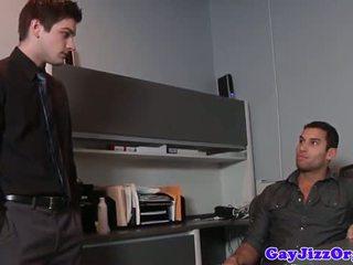 הומוסקסואל אורגיה פעולה jock מזוין על ידי קבוצה של hunks