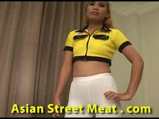 Direito porcas gira cu a foder rua strumpet