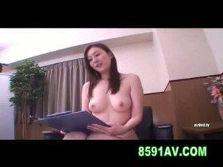 Yuma asami chatte licked par amateur garçon
