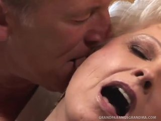 Bbw oma champagner groß dicked