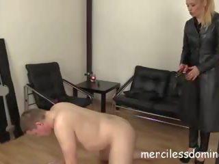 Siksaan alat kelamin pria itu ceko cara - merciless dan painful buah zakar kicking