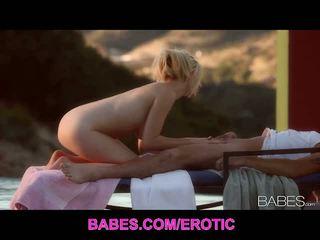 Babes network: blondīne skaistule rylie richman ārā jāšanās