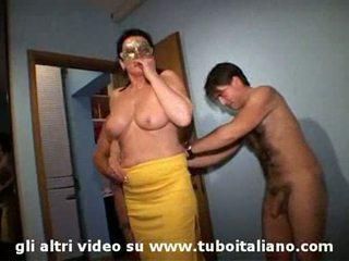 Ιταλικό σύζυγος cuckolds του hubby lei troia lui cornuto