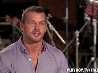 Two panas dan miang/gatal pasangan pertama masa pada playboy tv