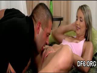 Virgin goddess shows pengait
