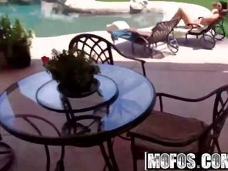 Mofos - drone jager - alison tyler - poolside rammen