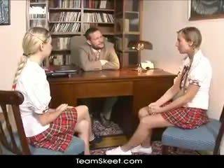 Teamskeet eiropieši schoolgirls mina un morgan trijatā sekss puni