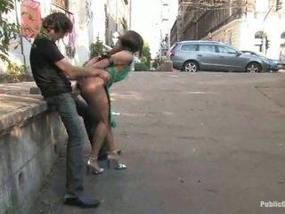 Armas lea tehtud armastus suur sees the avalik koht alfresco