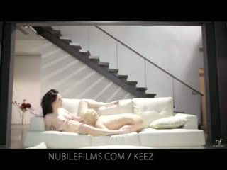 Aiden ashley - nubile film - lesbian lovers berbagi baik hati alat kemaluan wanita juices