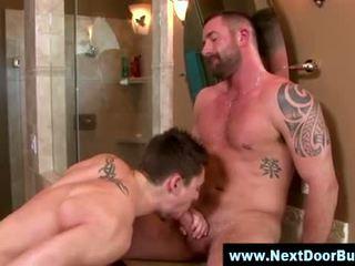 Gay muscle hohlbohrer blowjob samenerguss