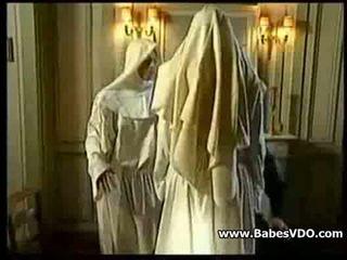 Nuns jāšanās ar priest un fisting
