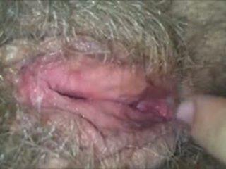 Licking jos plaukuotas, šlapias, senelė putė