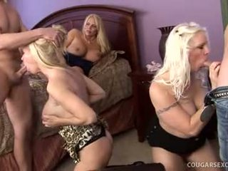 Cougar seks club