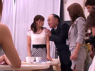 Akiho yoshizawa, mika kayama ve yuma asami kütüphaneci etkinlik