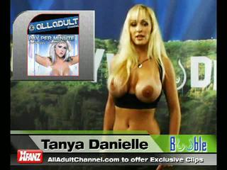 Topless tanya does the booble minūte
