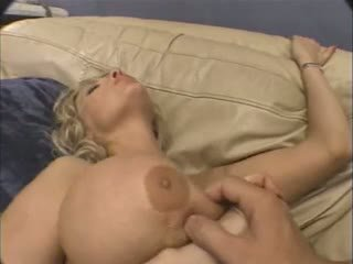 Valtava tissi läkkäämpi anaali.