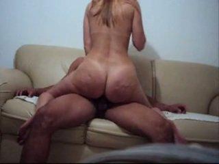 Mãe e filho em casa assistindo filme acaba em sexo - incest br