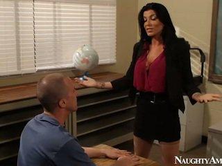 Великий titted instructor romi дощ having трахання onto еротичний america