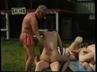 gruppe sex, swingers, grannies