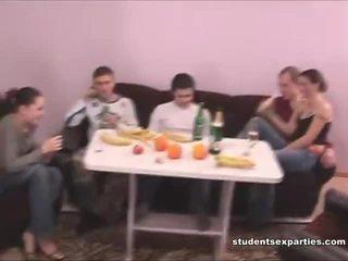 Mischen von movs von student xxx parties