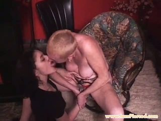 I Am Pierced Granny with Pierced Pussy Fisted: Free Porn 0e