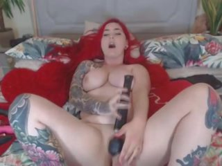 Hottie Babe Deepthroating and Fucking Dildo on Cam: Porn 6c