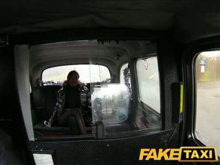 Faketaxi বিশাল পাছা তরুণী has যৌন সঙ্গে taxi driver - পর্ণ ভিডিও 031