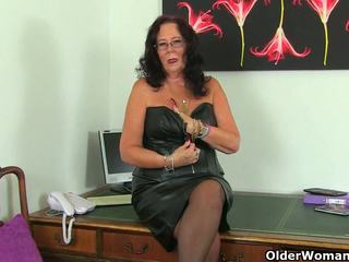 Angļi pieauguša secretaries lulu lush un zadi stripping