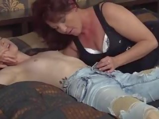 Matainas māte kārdināšana jauns skaistas meita: bezmaksas porno ac