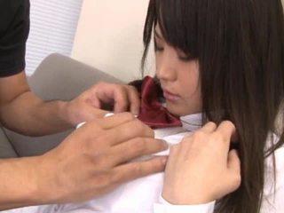 Naakt aziatisch schoolmeisje hebben piemel sucked af