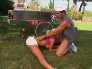 Playboy: elastike bjonde gets banged në kingdom eja