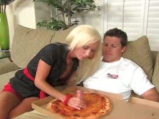Szczęśliwy pizza guy fucks - lichelle marie