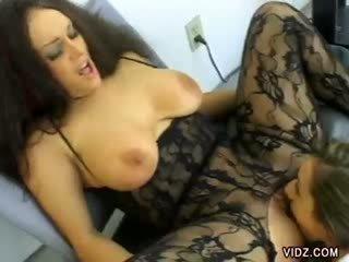 Kaylynn and nina nasos up their vaginas