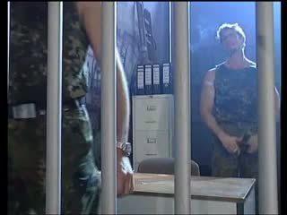blondīnes, dubultā iespiešanās, militārs