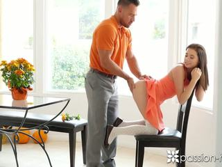 Passion-hd - guy fucks viņa solis meita carolina sweets par thanksgiving