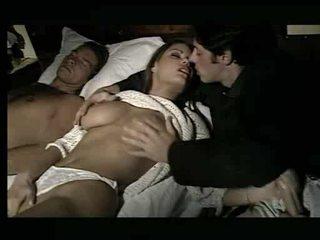 Upea vauva being assaulted sisään sänky video-