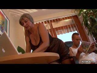 Pieptoasa bunicuta wants tineri penis, gratis matura porno video f0