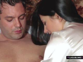 Lasublimexxx sofia cucci gets viņai pakaļu stretched.