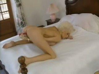 Dolly buster filmas - dreamland