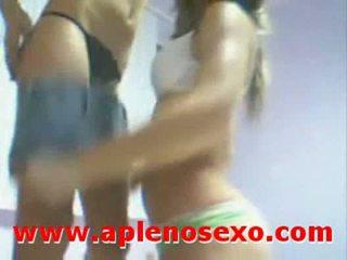 Pendejas trolas lesbianas argentinas en casa de la escuela