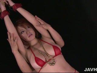 Rondborstig japans babe toyed
