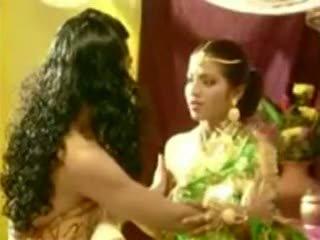 A film stseen pärit north east, mõlemad actor näitlejanna handling
