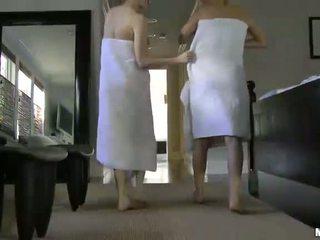 Natalia rogue aiden ashley gražus paaugliai su natūralus papai lesbiečių having seksas