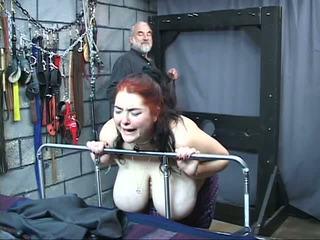 Thick ใหญ่ หัวนม เซ็กส์แปลกๆ ทาส หญิง เป็น whipped และ วิปริต ใน the เพศ คุก