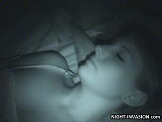 Sexy panenka fingered v spánek